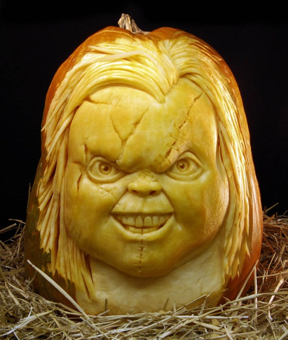 MindBlowing-Pumpkin-Carvings-by-Ray-Villafane-1