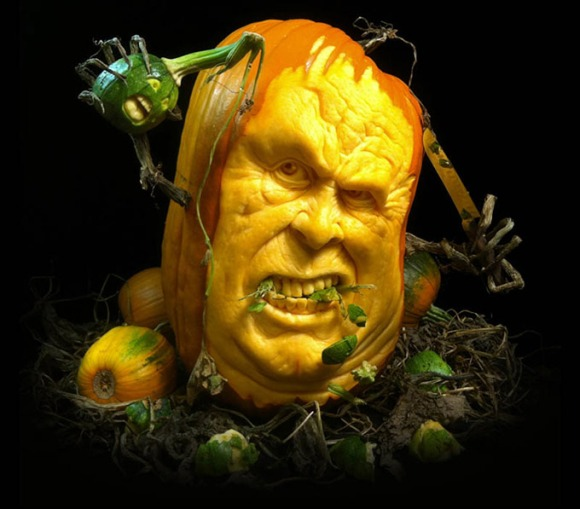 MindBlowing-Pumpkin-Carvings-by-Ray-Villafane-2