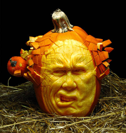 Ray Villafanes Intricately Carved Pumpkins - Mind blowing pumpkin carvings by ray villafane 2