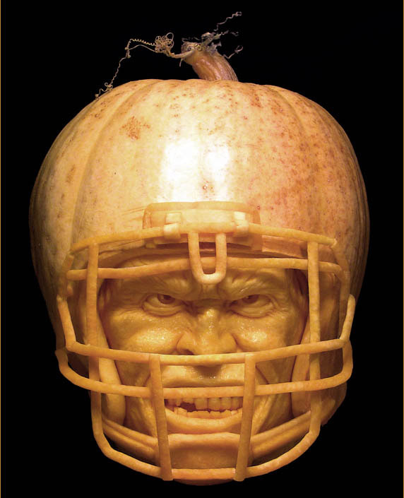 MindBlowing-Pumpkin-Carvings-by-Ray-Villafane_1