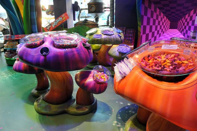 """The Delicious World of WONKA Comes to Toys""""R""""Us Times Square 
