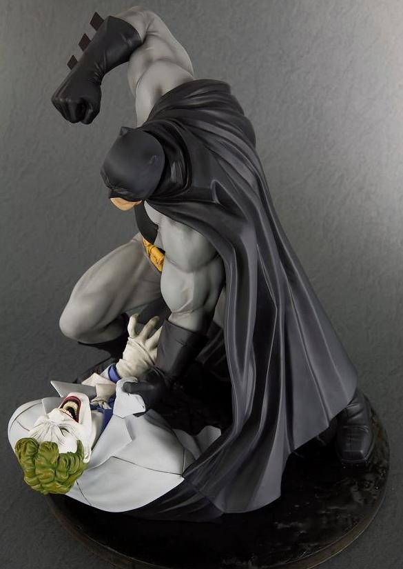 Kotobukiya Updates The Dark Knight Returns: Batman Vs ...