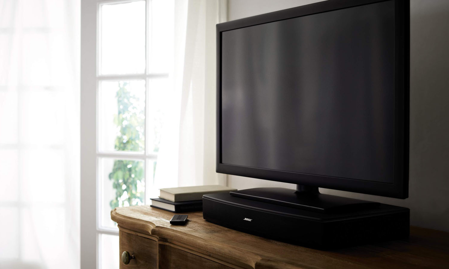 bose introduces the solo tv sound system. Black Bedroom Furniture Sets. Home Design Ideas