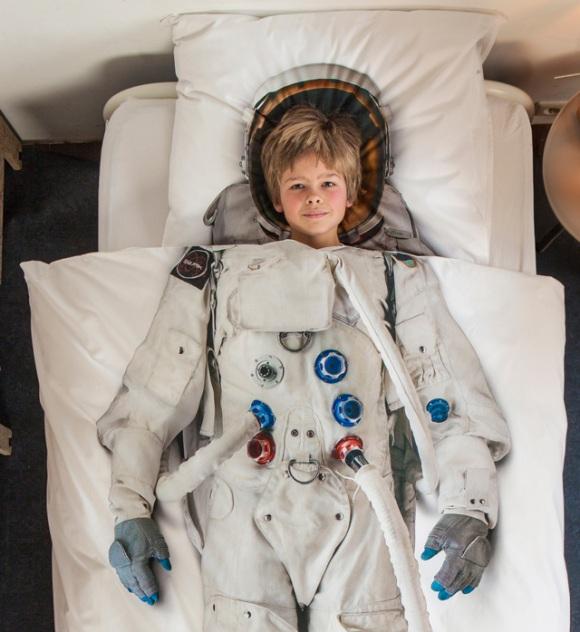 astronaut_boycloseup_RGB