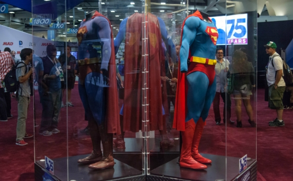 superman-suits-at-sdcc-2013-photographed-by-seth-rosenblatt-for-cnet