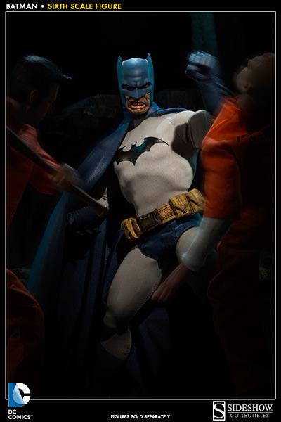 DC Comics: Batman Sixth Scale Figure 611