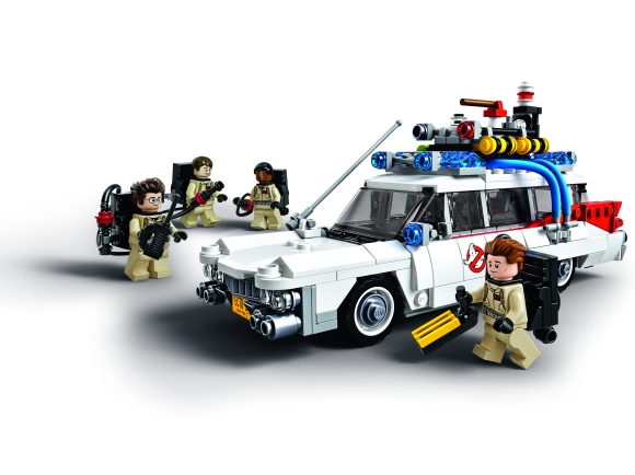 LEGO Ghostbusters Ecto-1_side