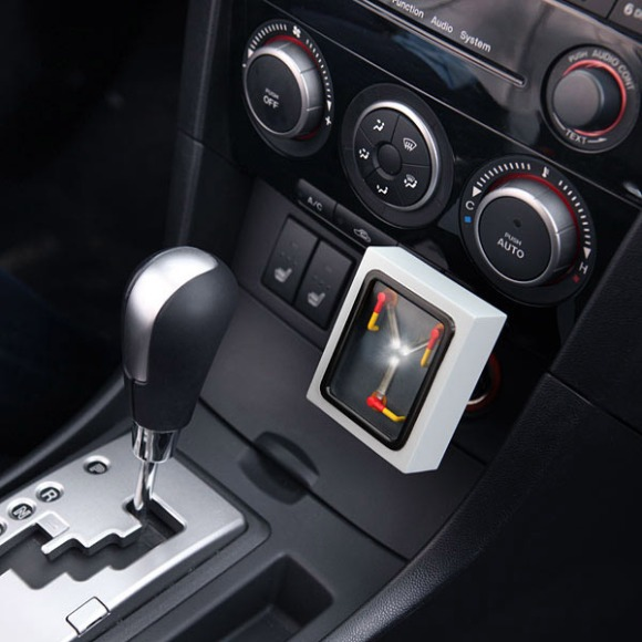 Flux-Capacitor-USB-Car-Charger_1.gif
