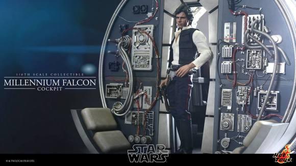 sideshow-hot -toys-millennium-falcon-picture
