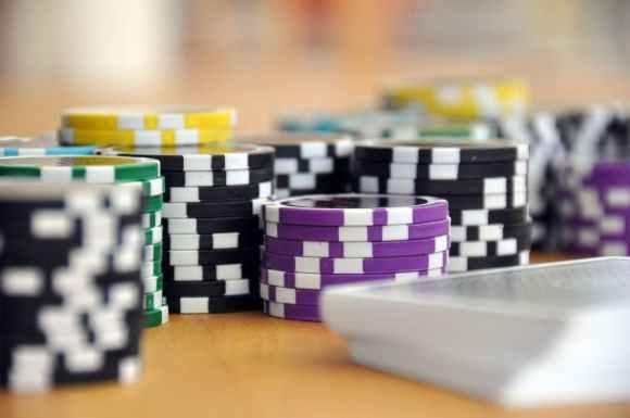 Fake money poker app united states